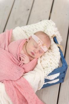 E Bonner Newborn Session BLOG 19