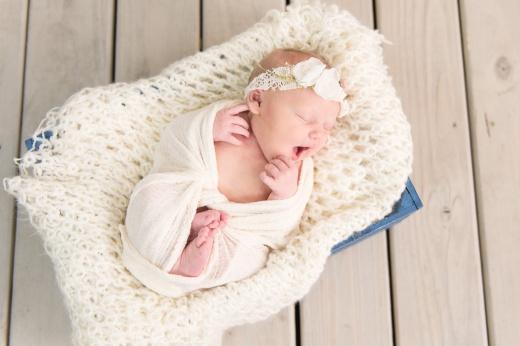 E Bonner Newborn Session BLOG 20