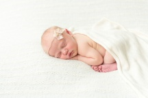 E Bonner Newborn Session BLOG 31
